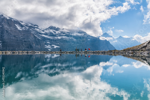 Deurstickers Reflectie Spectacular view of Swiss alps reflected in the lake