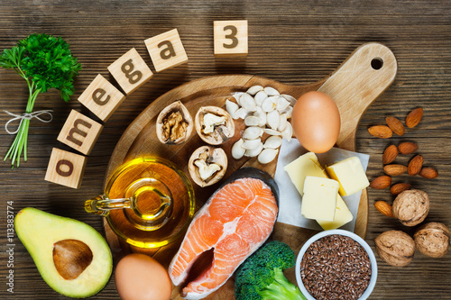 Valokuva  Animal and vegetable sources of omega-3