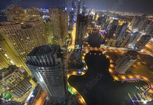 Photo  Dubai Marina at night