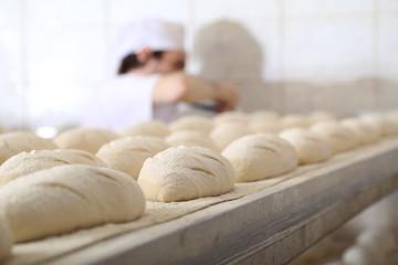Produkcja chleba w piekarni