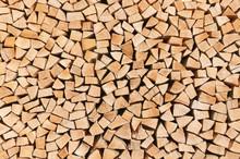 Ordentlich Aufgeschichteter Holzstapel, Kaminholz, Brennholz, Rohstoff, Holzmiete, Brennwert