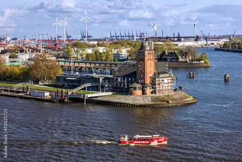 Foto auf Gartenposter Stadt am Wasser Rotterdam, Netherlands. Old lighthouse tower in harbor