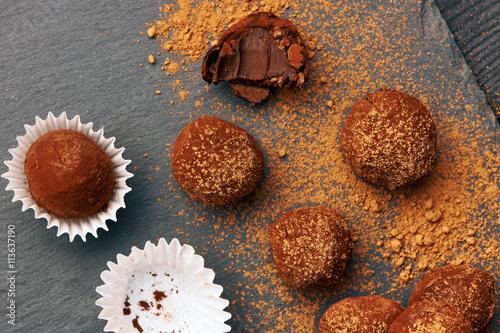 fototapeta na lodówkę Homemade chocolate truffles
