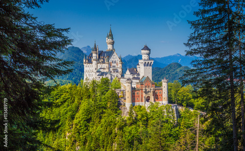 Spoed Fotobehang Kasteel Neuschwanstein Castle in summer, Bavaria, Germany