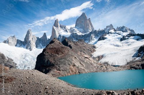 Photo sur Toile Reflexion La vetta del monte Fitz Roy, in Patagonia
