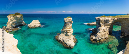 Photo Torre Sant Andrea cliffs, Salento peninsula, Apulia region, South of Italy