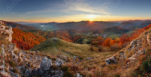 Spoed Foto op Canvas Grijze traf. Majestic sunset in the mountains landscape