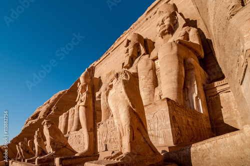 Foto  Colossus of The Great Temple of Ramesses II, Abu Simbel, Egypt.