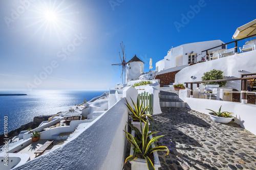 Obraz na plátne  Oia village with sun