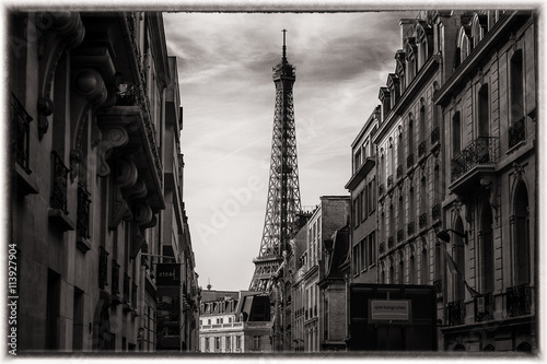 Eiffel tower in paris, france - black and white