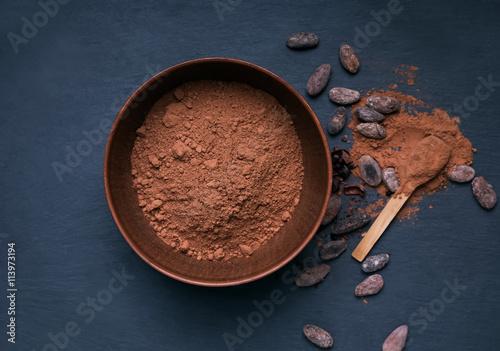 Fotografía  Cocoa powder in a bowl