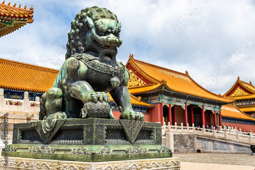 Foto op Aluminium Beijing Bronze lion near the Hall of Supreme Harmony - Beijing Forbidden City