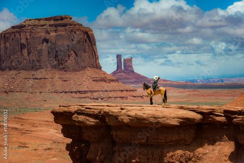 фотография  Horseback Riding John Ford's Point - Monument Valley