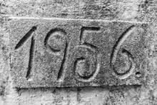 Jahreszahl In Stein Gemeißelt...