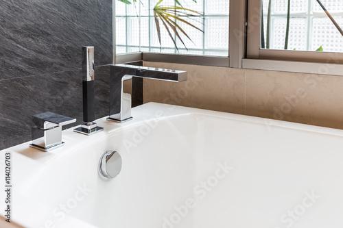Tablou Canvas closeup bathtub faucet