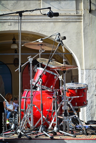 Fototapety, obrazy: The red drums waiting a concert.