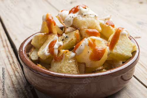 Canvastavla Patatas bravas typical spanish