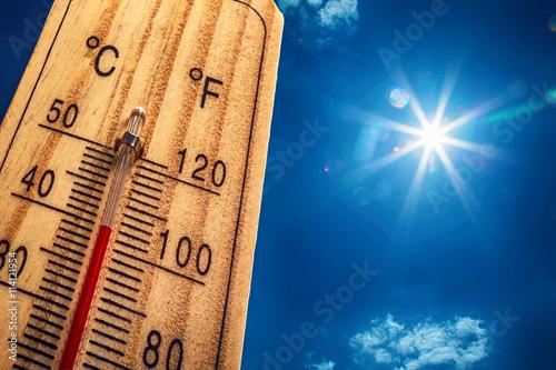 Fotografía  Thermometer Sun Sky 40 Degres
