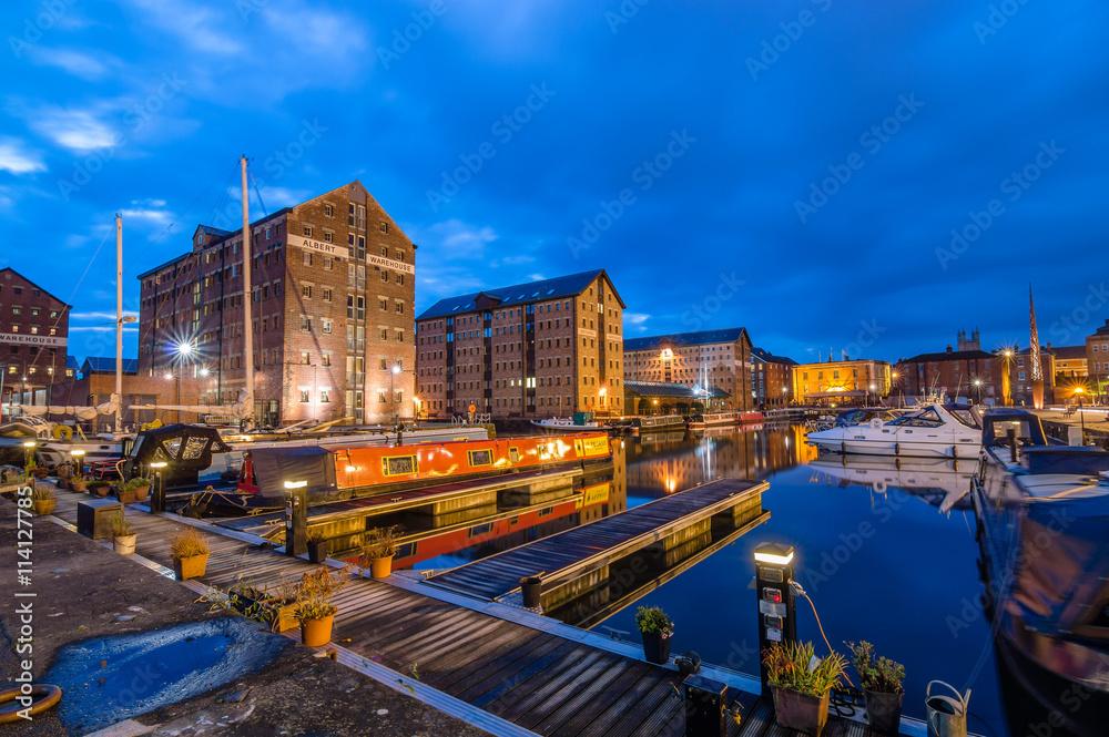 Fototapety, obrazy: Gloucester Docks at dusk
