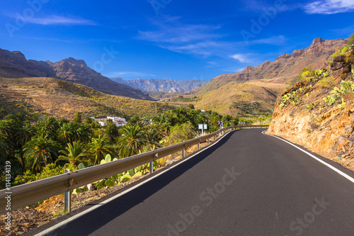 Poster Afrique du Sud Road through the mountains of Gran Canaria island, Spain