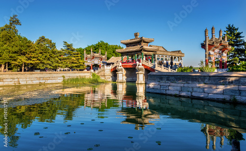 Foto auf Gartenposter Beijing Traditional chinese bridge at the Summer Palace in Beijing