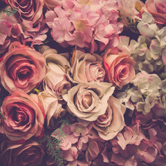 Bukiet róż w tle