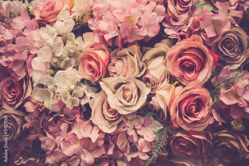 Foto op Aluminium Bloemen Valentine day background. Retro pink roses flower background