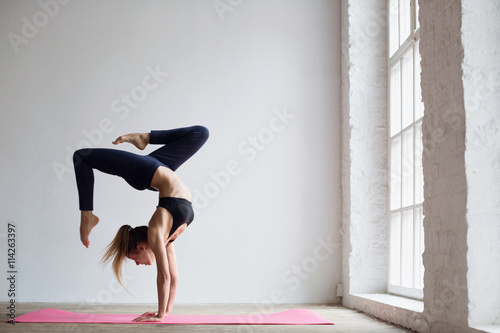 Spoed Foto op Canvas School de yoga Practices yoga.