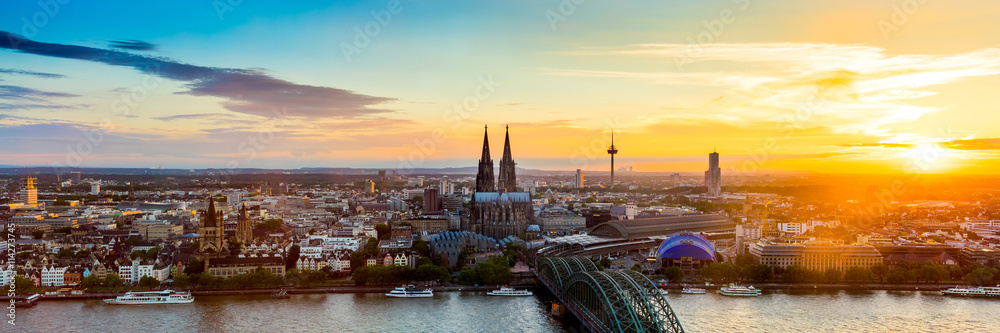 Fototapeta Köln Panorama bei Sonnenuntergang