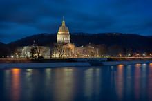 West Virginia State Capitol Bu...