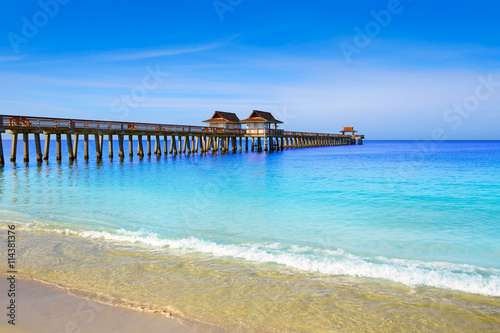 Spoed Foto op Canvas Napels Naples Pier and beach in florida USA