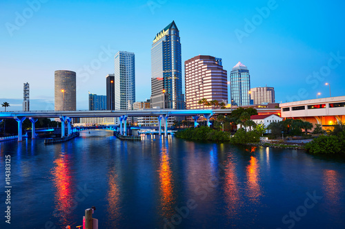 Photo Stands United States Florida Tampa skyline at sunset in US