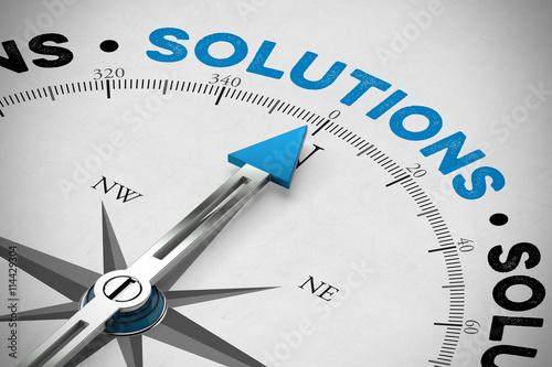 Fotografía  Kompass zeigt auf Solutions