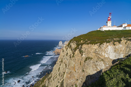 Montage in der Fensternische Leuchtturm Cliffs and lighthouse of Cabo da Roca on the Atlantic Ocean in Sintra, Portugal, the westernmost point on the continent of Europe, where the land ends and the sea begins.