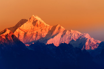 Fototapeta Industrialny Sunrise on Mount Kanchenjugha, at Dawn, Sikkim