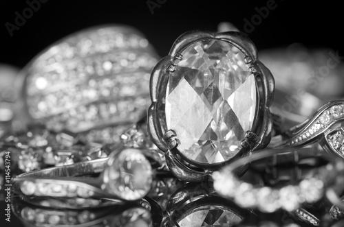 fototapeta na szkło Silver jewelry.