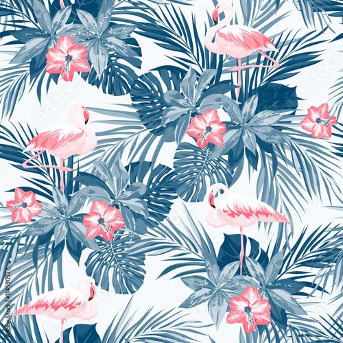 Fototapeta premium Indygo tropikalny lato wzór z flamingami i egzotycznymi kwiatami