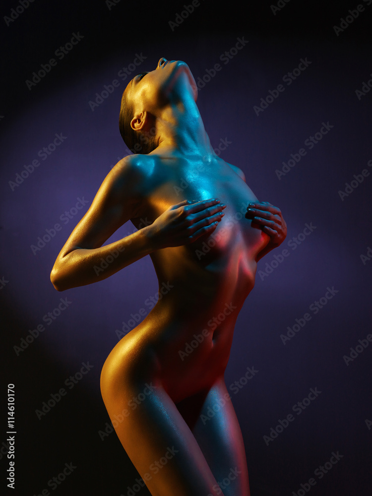 Fotografia  fashion art photo of sexy nude stripper in the night-club