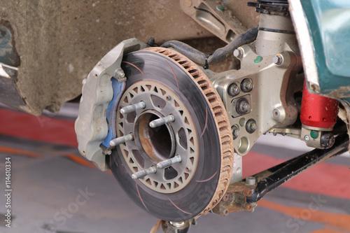Voiture de rallye - freins disque 02