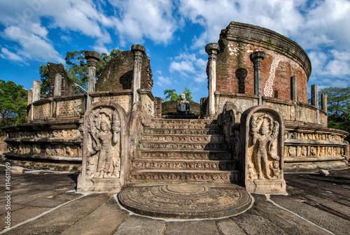 Poster Ruine Ancient City of Polonnaruwa, photo of the Vatadage (Circular Relic House) in Polonnaruwa Quadrangle, UNESCO World Heritage Site, Sri Lanka, Asia.