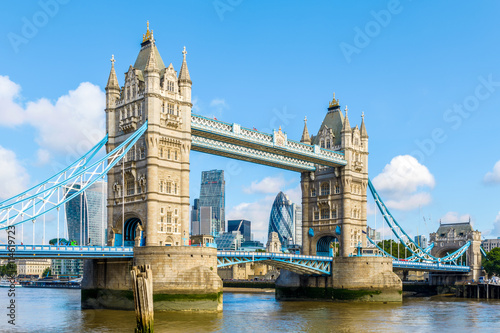 Foto op Canvas Londen Sunny day at Tower Bridge in London, United Kingdom