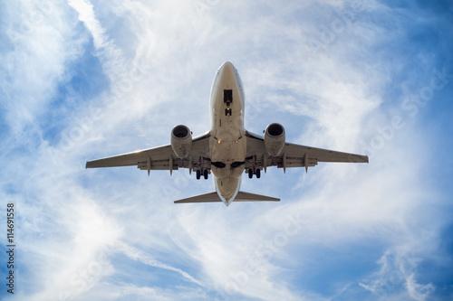 Vista del avión desde abajo
