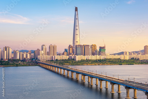 seoul-metra-i-seul-city-skyline-korea-poludniowa