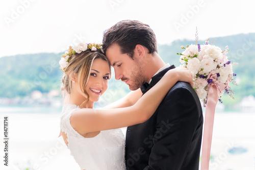 Fotografie, Obraz  Glückliches Brautpaar bei der Hochzeit