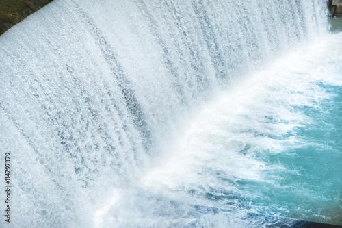 Küchenrückwand aus Glas mit Foto Wasserfalle Waterfall on a big dam