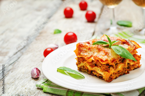 Recess Fitting Ready meals Meat lasagna