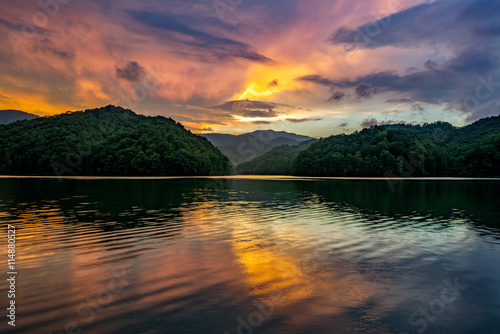 Photo sur Toile Brun profond Mountain lake, scenic sunset, kentucky