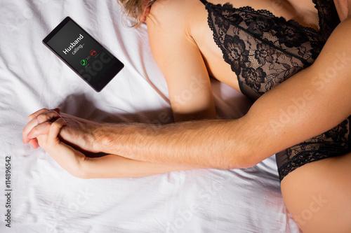 Leinwand Poster Frau betrügt ihren Ehemann