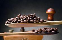 ᎧᏫ Սուրճ ყავა காப்பி కాఫీ काफीपेयम् Cà Phê قہوہ Kape Кава Ka-pi 咖啡 Kopi Kaffi Kahve Caffè Káva Cafea Café Koffie קפה Kávé  Coffee Caffe कॉफ़ी Kahvi Kohv Кофе