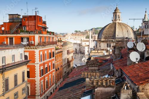 Zdjęcie XXL Stary Rzym, Włochy. Via del Corso, widok na dach